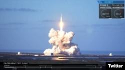 Tên lửa Falcon Heavy - Space X được phóng tại Trung tâm Kennedy của NASA