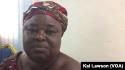 Amaou Tallé, directrice de Lambana Collection, qui produit des éponges végétales Luffa.