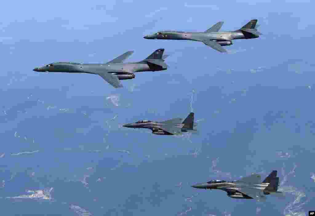 កាលពីព្រឹកថ្ងៃអង្គារទី២០ មិថុនា ២០១៧ យន្តហោះទម្លាក់គ្រាប់បែកអាមេរិកB-1B និងយន្តហោះចម្បាំងកូរ៉េខាងត្បូង F-15K ហោះកាត់ឧបទ្វីបកូរ៉េ នៅប្រទេសកូរ៉េខាងត្បូង។
