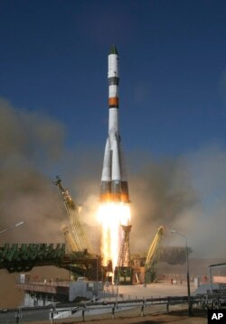 Kapsul antariksa 'Progress' lepas landas dari kompleks antariksa Rusia di Baikonur, Kazakhstan, Selasa (13/2).