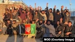Des talibans récemment libérés par l'armée afghane, le 29 janvier 2020.