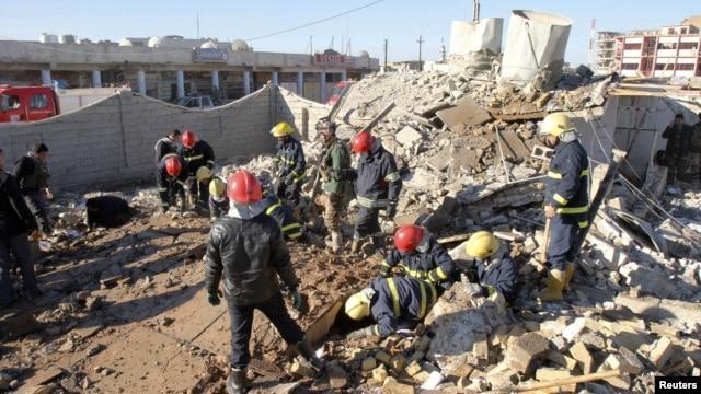 Hiện trường sau một vụ đánh bom tự sát ở Kirkuk, ngày 16/1/2013.