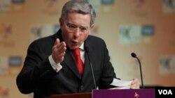 Álvaro Uribe asistió en Miami en la XVI Conferencia Bianual del Consejo Nacional Cubanoamericano