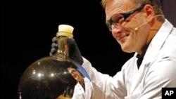 """รางวัล Ig Nobel ปี ค.ศ 2011 กับ""""ผลงานที่สร้างเสียงหัวเราะก่อน จากนั้นจึงทำให้คิดตาม"""""""