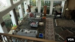 安全屋客厅