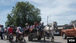 Cerca de três mil gambianos fugiram para o Senegal.