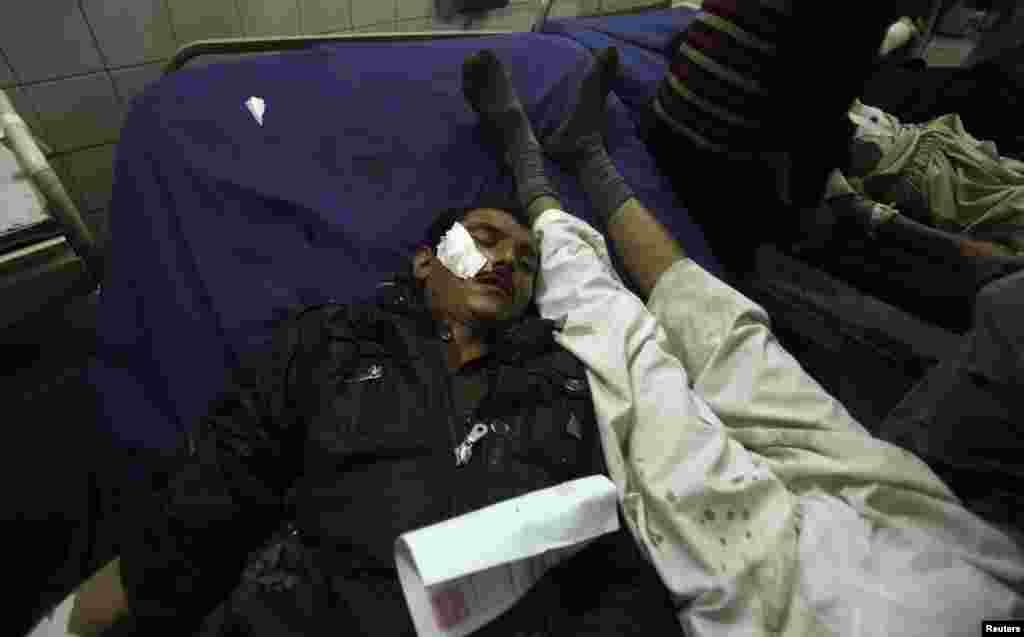 Kİno-teatrda yaralananlar xəstəxanaya çatdırılır - Preşəvər, 2 fevral, 2014