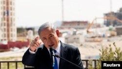 د اسرائيل وزیراعظم په خپل سمدستي غبرګون کې ویلي ( ملک يې د اسرائيل په ضد دغه شرمناک قرارداد ردوي او دا به عملي نه کړي).