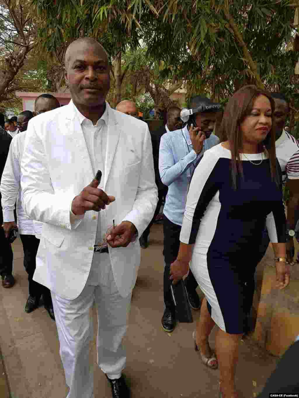 Abel Chivukuvuku, leader de CASA-CE, candidat à la présidentielle a voté le matin à Luanda, Angola, 23 août 2017