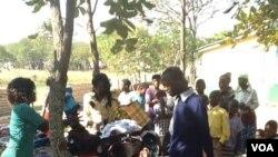 Umnumzana Philip Sibanda esabela abantu izembatho