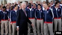 Bill Clinton ha sostenido una frecuente comunicación con la selección de fútbol de EE.UU. que viajó al pasado Mundial de Sudáfrica.