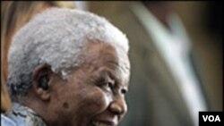 Tras sufrir 27 años de cárcel, Nelson Mandela es el primer presidente que Sudáfrica eligió democráticamente.