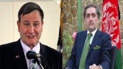 عبدالله عبدالله، رهبر مخالفان افغان و کارل آیکنبری، سفیر آمریکا