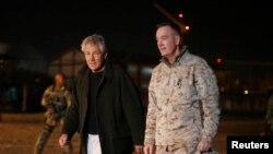 Ông Chuck Hagel đến thăm trại Eggers ở Kabul, Afghanistan, 8/3/2013.