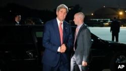 美國國務卿克里7月21日在安德魯空軍基地啟程前赴中東。