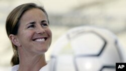 Brandi Chastain, whose penalty kick goal won the 1999 Women's World Cup, will donate her brain to the VA-BU-CLF Brain Bank.