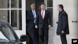 Američki ambasador u Francuskoj Čarls Rivkin izlazi iz zgrade francuskog Ministarstva spoljnih poslova u Parizu
