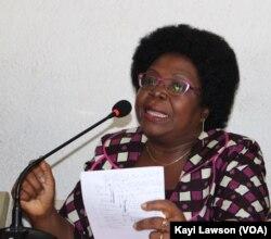 Brigitte Adjamagbo et l'opposition togolaise à Lomé, au Togo, le 26 mars 2018. (VOA/Kayi Lawson)