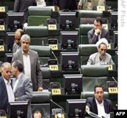 وقايع روز: بازداشت شماری از خانواده های اعضای جبهه مشارکت و چند خبر ديگر