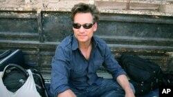 Phóng viên đài NBC Richard Engel trong một chuyến công tác ở Syria hồi tháng 7, 2012