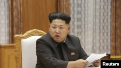 ေျမာက္ကိုရီးယားေခါင္းေဆာင္ Kim Jong Un ။ (ၾသဂုတ္ ၂၁၊ ၂၀၁၅)