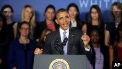 El presidente Barack Obama habla durante una visita a la universidad pública de Valencia, en Orlando, Florida, esta semana.