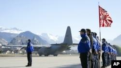 瑞士車禍28名遇難者遺體由比利時軍機運送回國