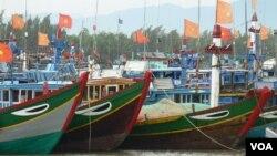 Tàu cá của ngư dân Việt Nam ở Lý Sơn, Quảng Ngãi.