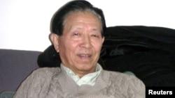 2003年向外界披露被掩蓋的北京沙士疫情真相的退休軍醫蔣彥永(2004年3月資料照片)
