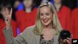 Aktris terkenal Sharon Stone menjabat sebagai ketua urusan kebudayaan kelompok perdamaian YaLa Young Leaders (foto: dok).