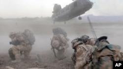 Британские военнослужащие в провинции Гильменд, Афганистан