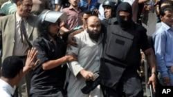Magoya bayan hambararen shugaba Morsi.