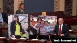 سناتور جیم ریش در جلسه سنا برای رای گیری درباره طرح لزوم آزادی شهروندان آمریکایی زندانی در ایران