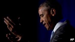 美國總統奧巴馬星期一晚上發表講話,敦促記者們深入探尋,力圖了解更多真相。