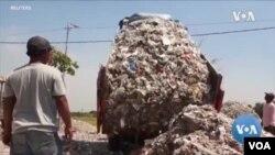 新冠大流行衝擊中 垃圾工人甘苦談