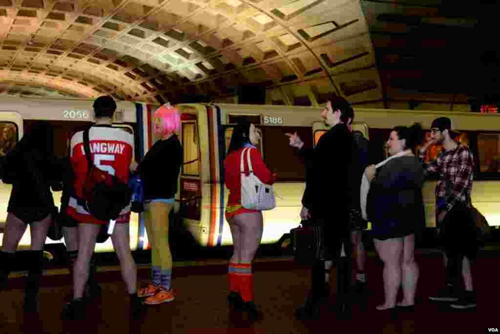 День в метро без штанов