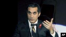 Người dẫn chương trình truyền hình châm biếm Bassem Youssef.