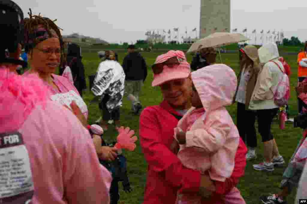 Вашингтон в розовом
