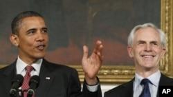 美國商務部長約翰•布賴森和奧巴馬總統(資料圖片)
