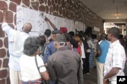 Beaucoup d'électeurs congolais ont eu du mal à voter, le 28 novembre 2011