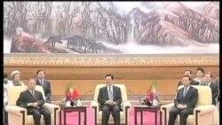 胡锦涛与日韩两国首脑举行会谈