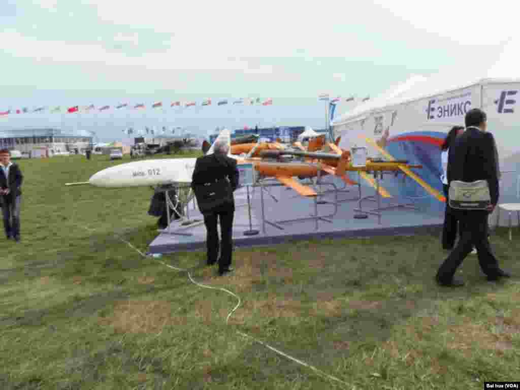 鞑靼斯坦的艾尼克斯公司在军用无人机领域同中国合作(美国之音白桦拍摄)