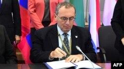 Stefano Manservisi, directeur général de la coopération et du développement à la Commission européenne, à Bruxelles le 12 décembre 2016.