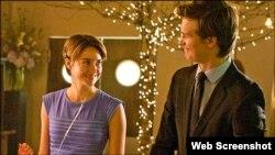 "Aktris Shailene Woodley dan aktor Ansel Elgort dalam film ""The Fault in Our Stars."""