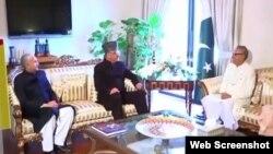 پاکستان کے لیے بھارتی ہائی کمشنر اجے بساریہ عید کے موقع پر صدر عارف علوی سے ملاقات کر رہے ہیں۔ 5 جون 2019