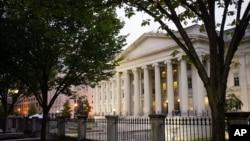 نمایی از ساختمان وزارت خزانه داری (دارایی) ایالات متحده در شهر واشنگتن