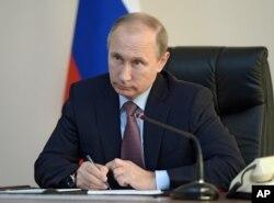 Ông Putin nhấn mạnh đến tầm quan trọng của việc tìm ra nguyên nhân dẫn đến tai nạn rớt máy bay.