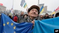 Kiyevda namoyishlar davom etmoqda, 20-dekabr, 2013