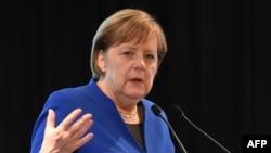 일본을 방문한 앙겔라 메르켈 독일 총리가 5일 도쿄 게이오대학에서 연설했다.