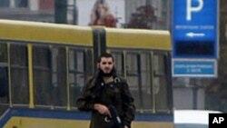 Snimak napadača na američku ambasady prošloga oktobra u Sarajevu